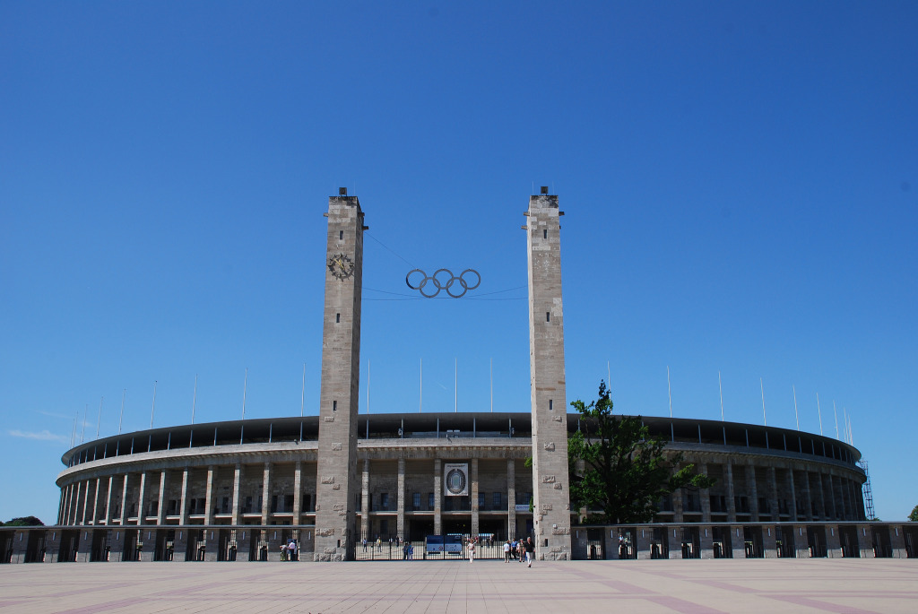 Spielstätte für das Champions League Finale 2015: Das Berliner Olympiastadion Bild:  Travel Junction, The Olympic Stadium in Berlin, Germany, CC BY-SA [flickr]